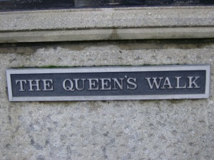 london queens walk
